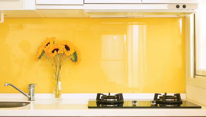 Coloured glass splashbacks at Twin Cities Glass and Aluminium Townsville